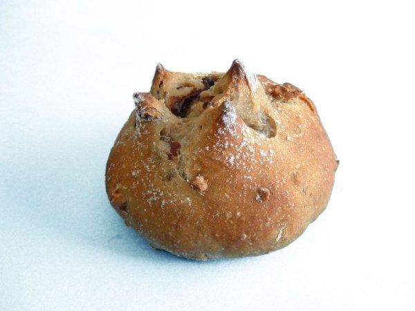 画像1: カレンツとくるみのパン (1)
